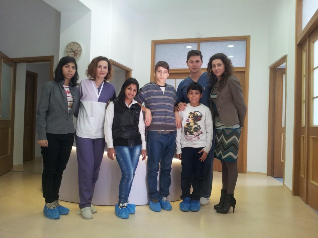 Toti copiii din Bucuresti, beneficiari ai proiectelor noastre, vor avea parte de control si tratament stomatologic.