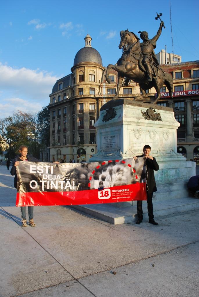 In Cluj Napoca si Constanta voluntarii au distribuit pe parcursul zilei de 18 octombrie mii de fluturasi.
