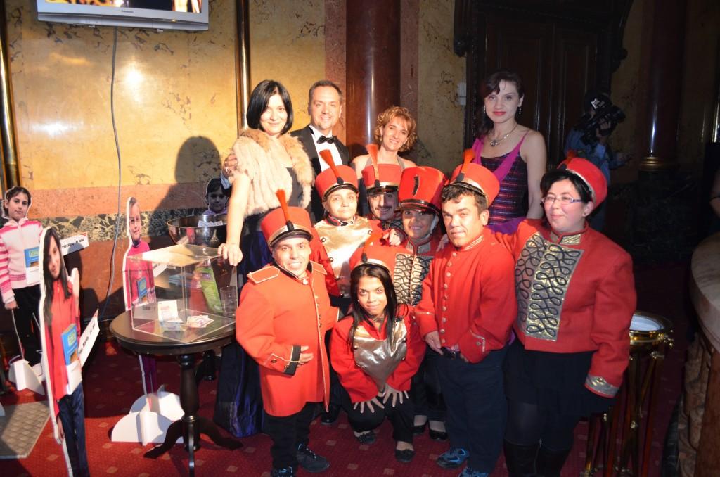 Echipa World Vision Romania a fost invitata la Balul Venetian organizat de revista OK!
