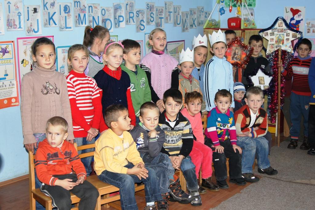 Cu ajutorul angajatilor companiei 3Pillar Global, 53 de copii din familii fara posibilitati materiale, vor fi mai fericiti de Sarbatori.
