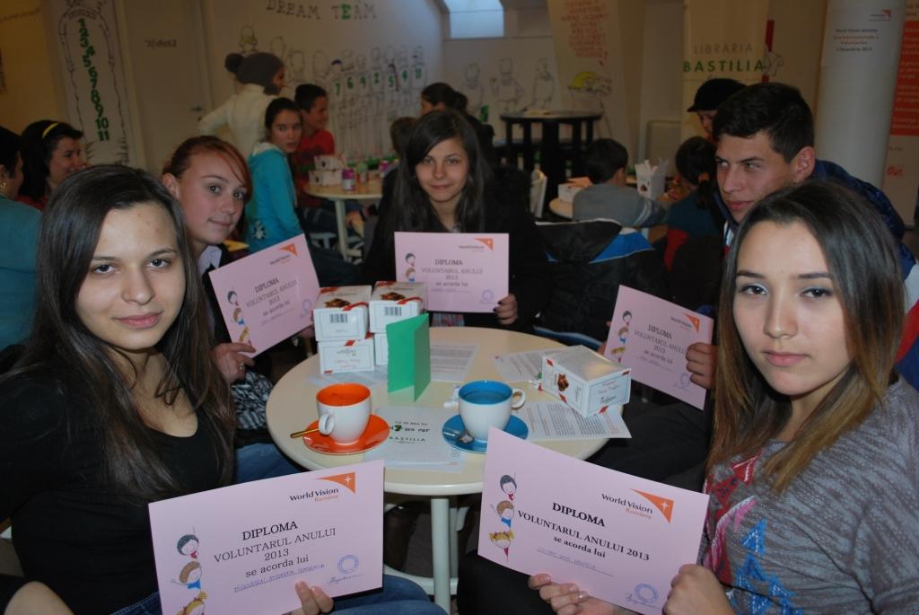 de Ziua Internationala a Voluntariatului, biroul World Vision Romania din Ialomita si-a premiat voluntarii