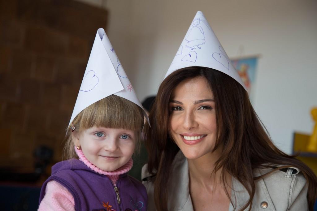 Pe 13 februarie, Oana Cuzino a vizitat-o pentru prima data pe Izabela, fetita pentru care a devenit donator de viitor.