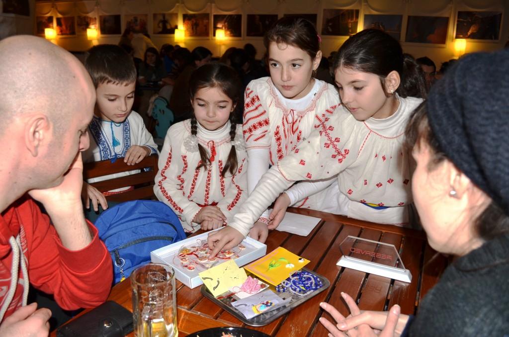 In perioada 27 februarie - 2 martie Fundatia World Vision Romania, reprezentata de colegii nostri din biroul Ialomita va fi prezenta la Targul Martisorului de la Muzeul Taranului Roman.