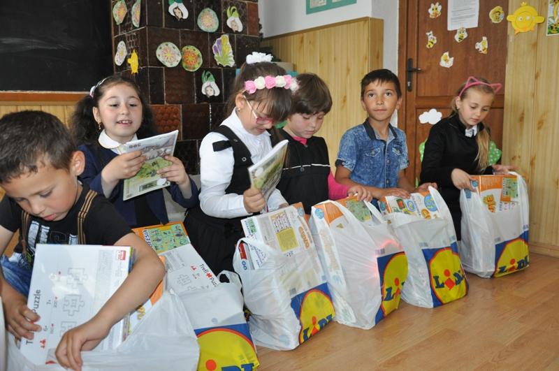 Donatie cadouri LIDL Romania, 1 iunie 2017 (2)