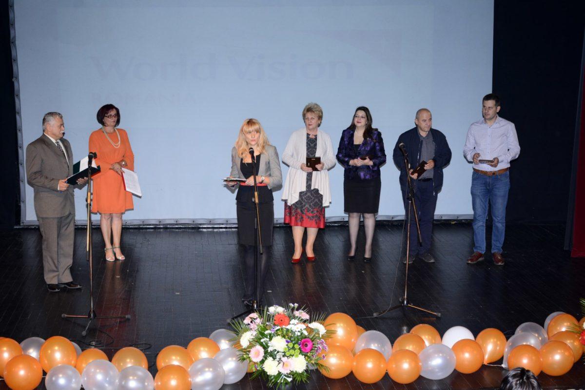 17 ani împreună pentru copiii din satele vâlcene – la final de Program de Dezvoltare Comunitară în jud.  Vâlcea