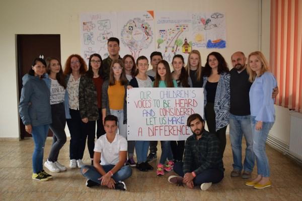 12 tineri entuziaşti formează Consiliul Consultativ al Copiilor World Vision România