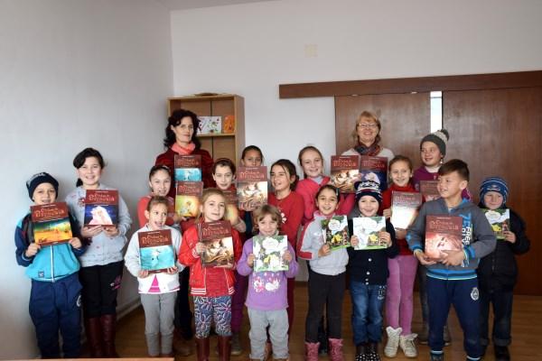 Parteneriat pentru educație – World Vision România și Editura Adenium