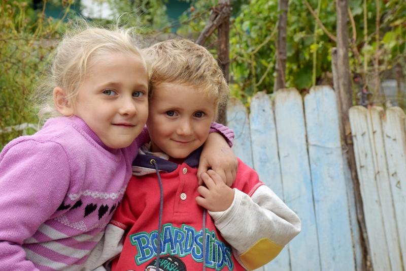 """Programul ,,Un viitor mai bun pentru copiii noștri"""" – O rază de lumină pentru o copilărie umbrită de sărăcie."""
